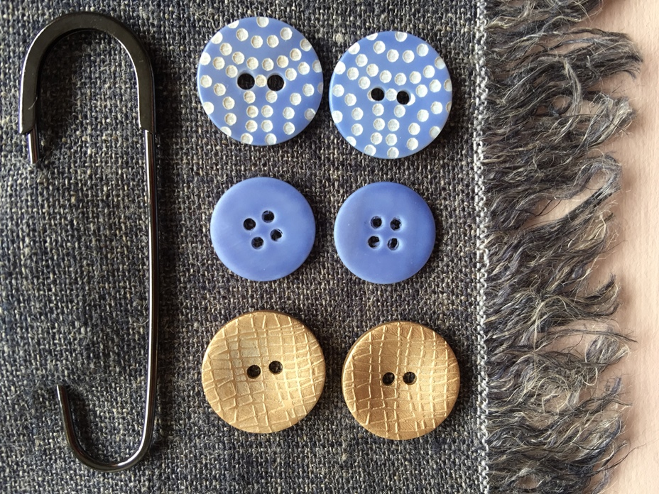 Buttons | ribbons | shawl pins | brooches | TextileGarden