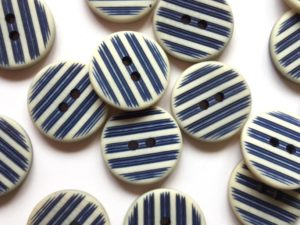 Buttons | polyester buttons | toggle | TextileGarden